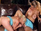 Dos maduras bien calientes se comen los coños a placer.. - Lesbianas
