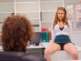 Esta empleada siempre consigue lo que quiere del jefe - Redtube