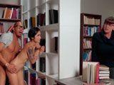 Pareja de golfos follando en la biblioteca de la universidad - XXX Gratis