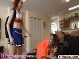 Zoe Parker pilla a su compañera de piso Dava Foxx  con su chico