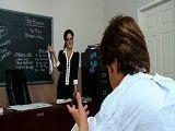 Ese día la profesora estaba más cachonda de lo habitual