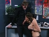 Chanel Preston hace una visita rápida al despacho del jefe - Xhamster