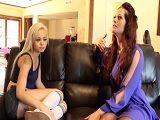 La madrastra le da una buena lección de sexo lesbico - Lesbianas