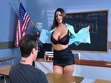 La profesora de ciencias se me abre de piernas en clase..
