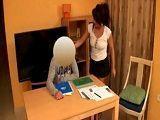 La profesora particular se folla a su joven alumno: qué sexy