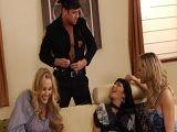 En la fiesta de estas amigas no podía faltar un stripper - Redtube